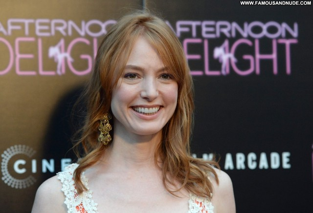 Alicia Witt Beverly Hills Gorgeous Posing Hot Sexy Celebrity Cute