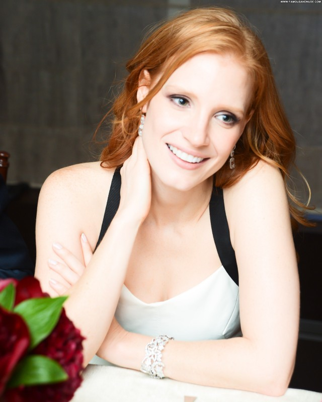 Jessica Chastain Lingerie Pretty Doll Cute Celebrity Posing Hot