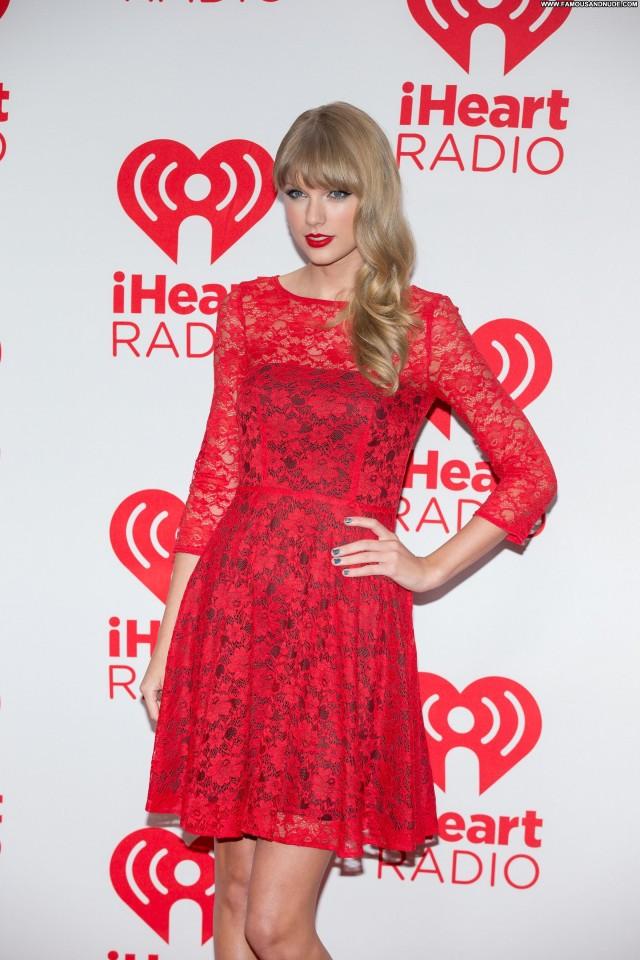 Taylor Swift New York Cute Sensual Celebrity Pretty Beautiful Nice