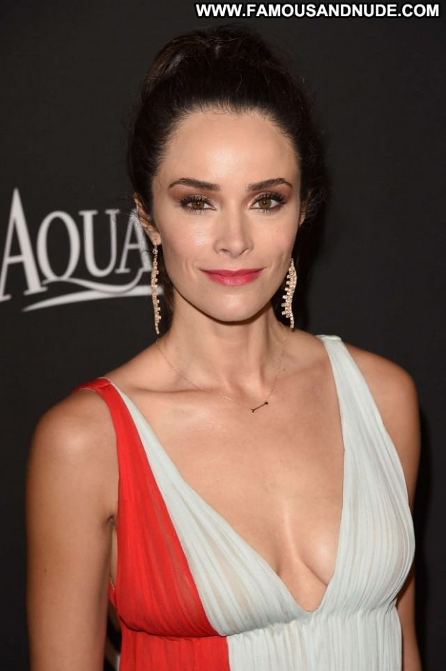 Abigail Spencer American Music Awards Sexy Posing Hot Celebrity Cute