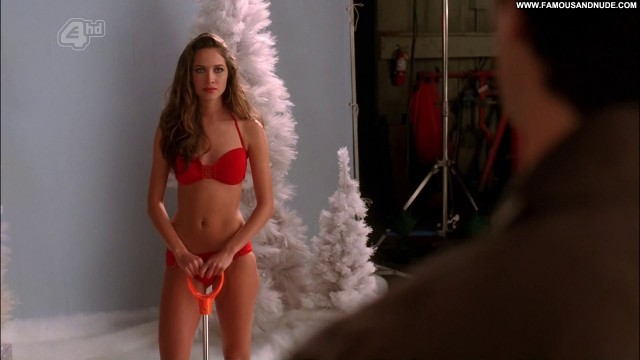 Maiara Walsh Desperate Housewives Celebrity Skinny Small Tits