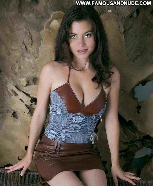 Kateina Janekov Miscellaneous Celebrity Gorgeous Sexy Hot Brunette