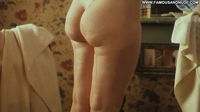 Linda Kozlowski Zorn Posing Hot Small Tits Cute Blonde Sensual