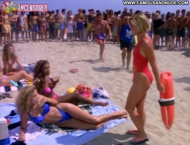 Elizabeth Berkley Baywatch Sensual Hot Celebrity Sexy Medium Tits