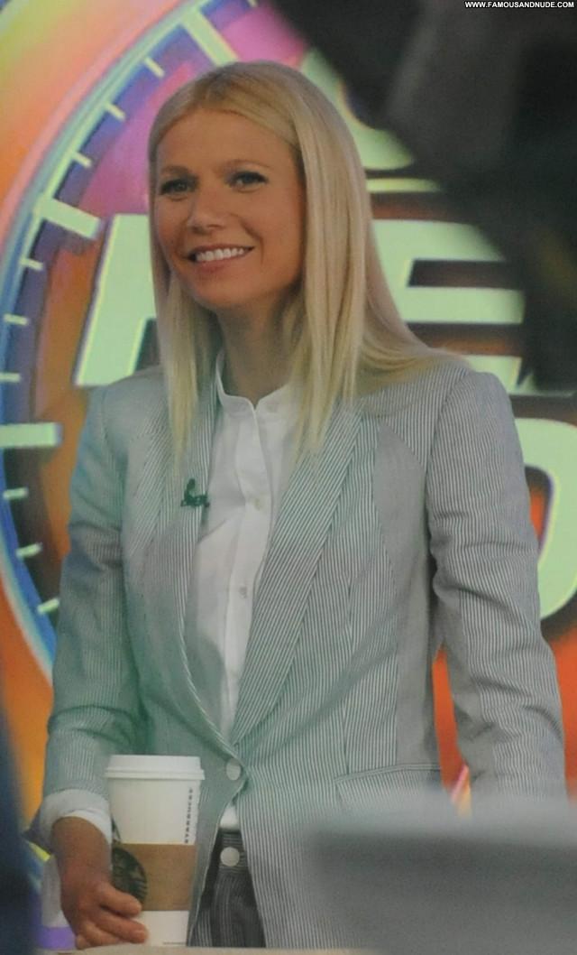 Gwyneth Paltrow Good Morning America Celebrity Sexy Beautiful Sultry