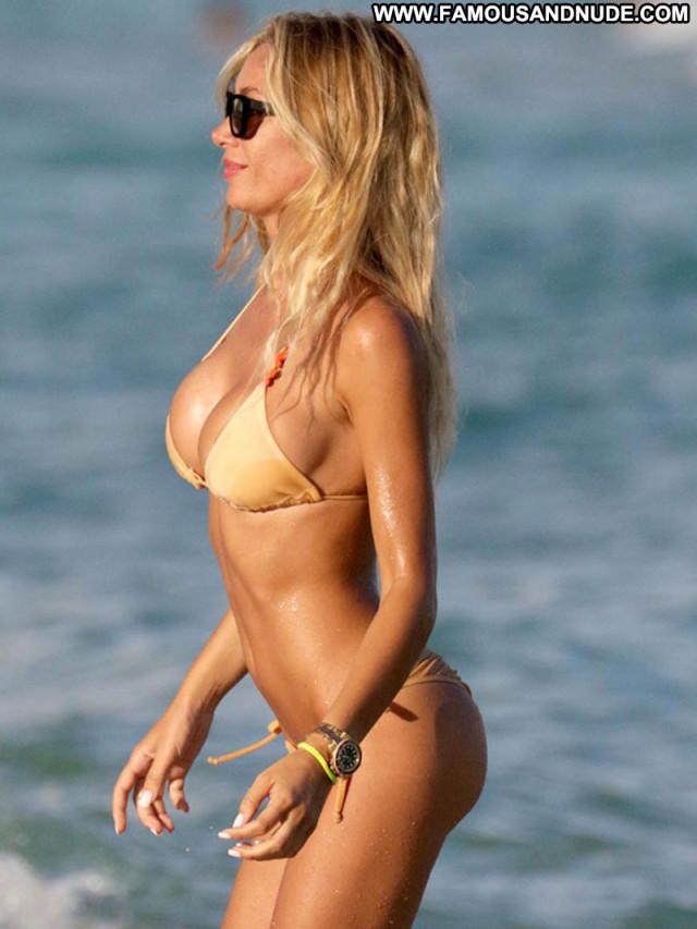 Laura Cremaschi No Source Babe Beach Beautiful Celebrity Posing Hot