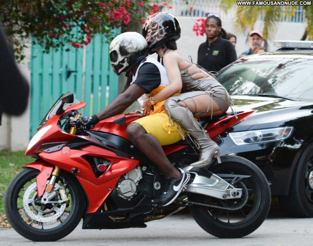 Rihanna Topless Photoshoot  Photoshoot Celebrity Beautiful Topless