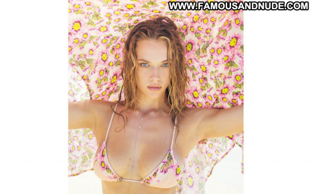 Hannah Ferguson No Source Celebrity Babe Sexy Posing Hot Beautiful