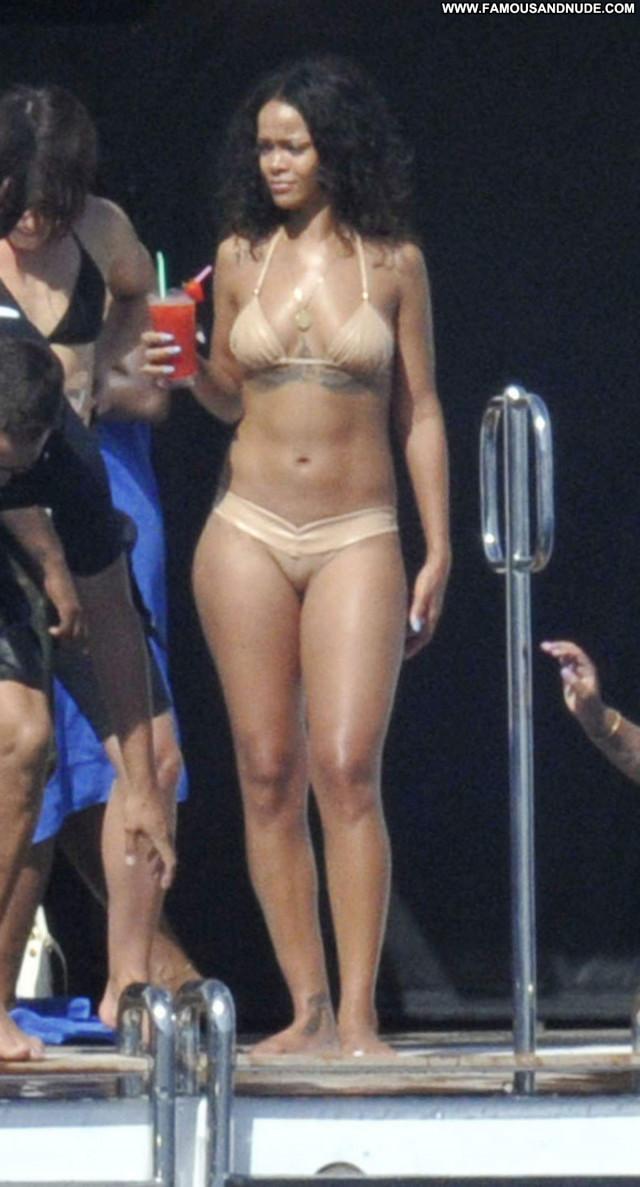 Rihanna No Source Beautiful Posing Hot Babe Yacht Celebrity Candids