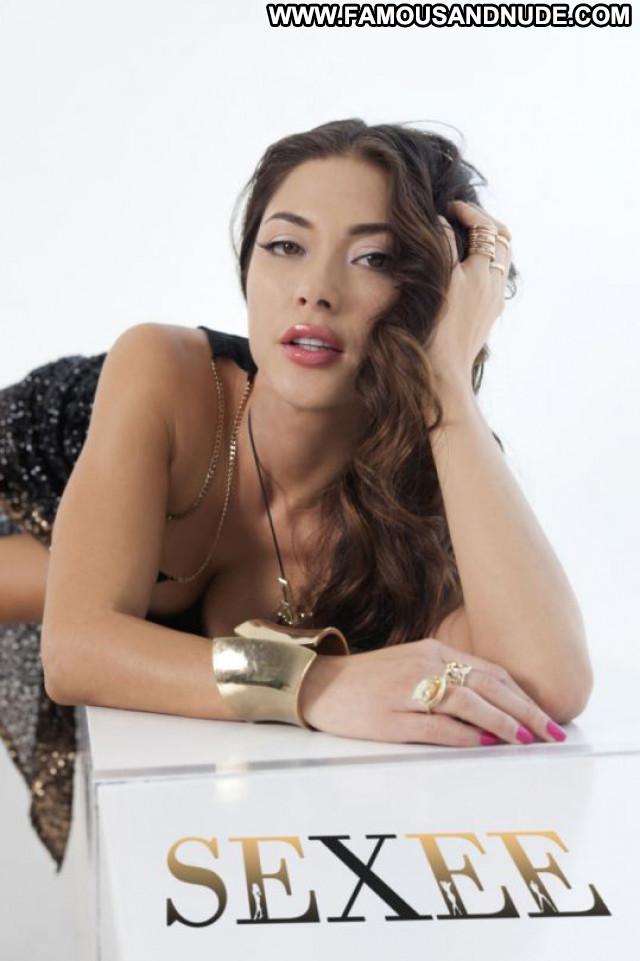 Arianny Celeste No Source Celebrity Beautiful Magazine Posing Hot Babe