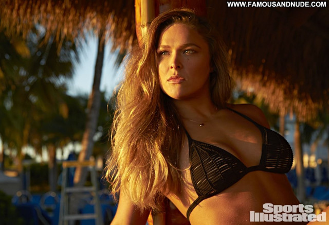Ronda Rousey Sports Illustrated Swimsuit Sports Babe Swimsuit Posing