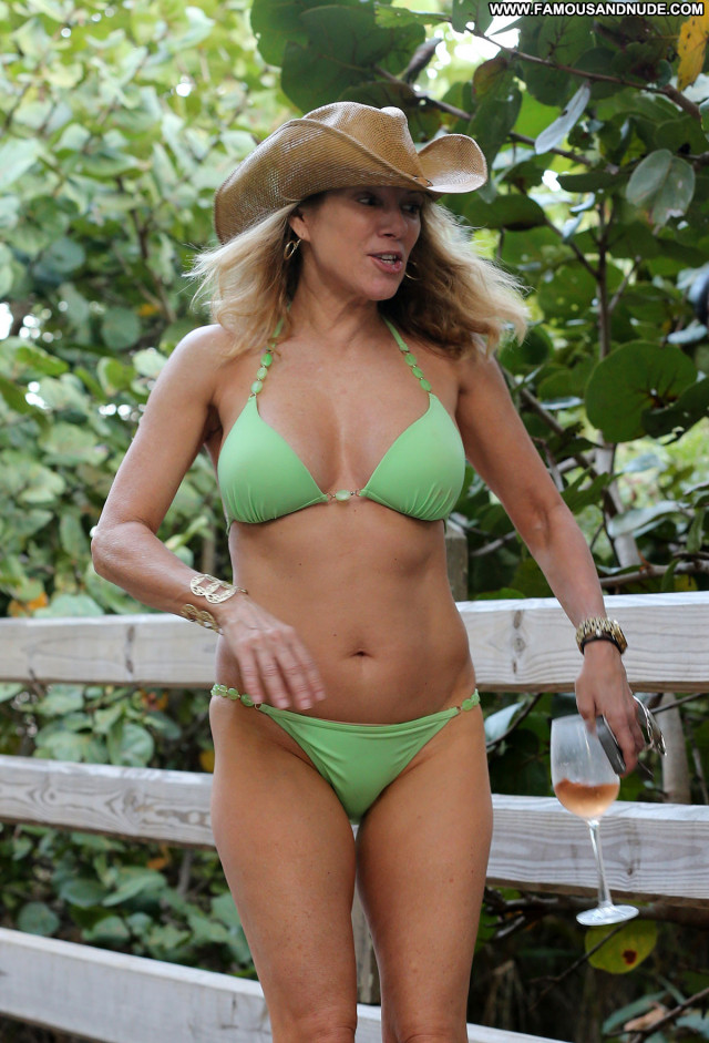 Ramona Singer No Source Beach Celebrity Bikini Singer Posing Hot