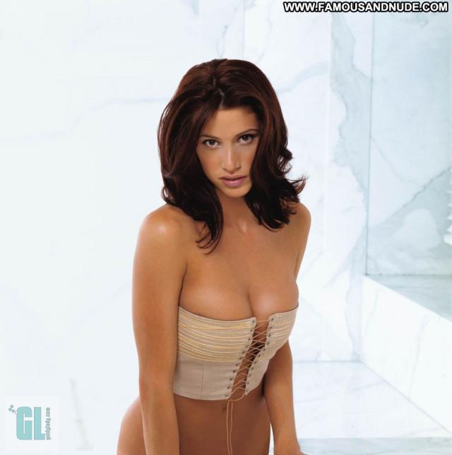 Shannon Elizabeth No Source Posing Hot Babe Beautiful Celebrity