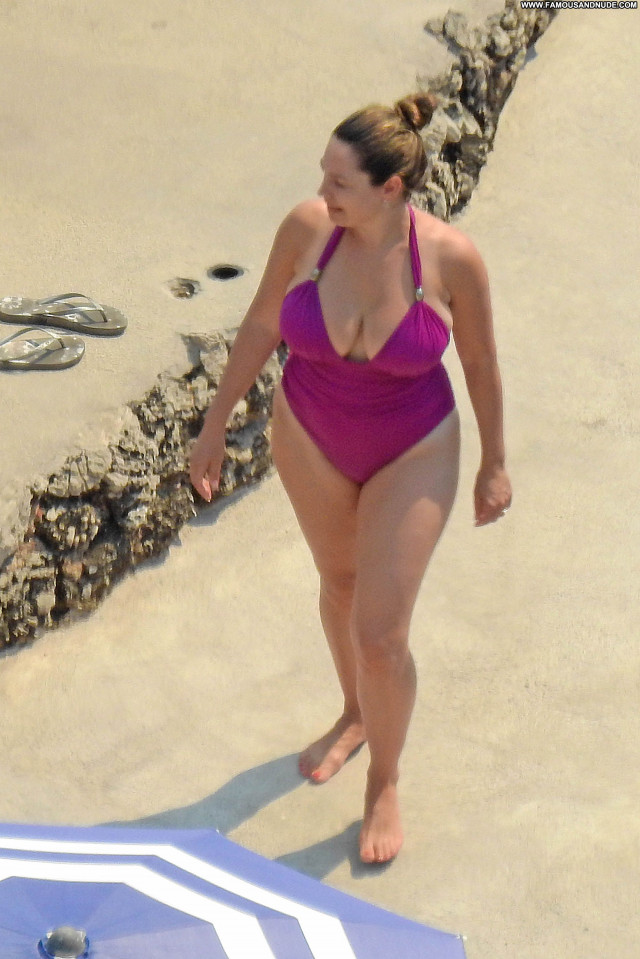 Kelly Brook Babe Actress Beautiful Model Celebrity Sexy Posing Hot