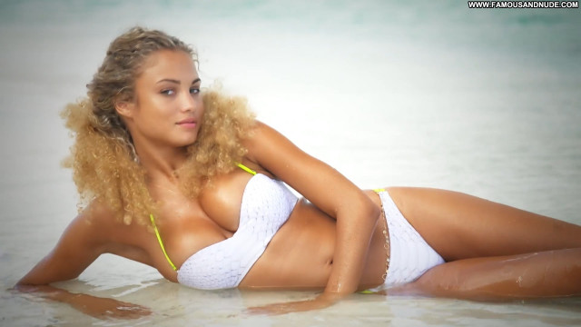 Rose Bertram Sports Illustrated Swimsuit Sexy Swimsuit Boobs