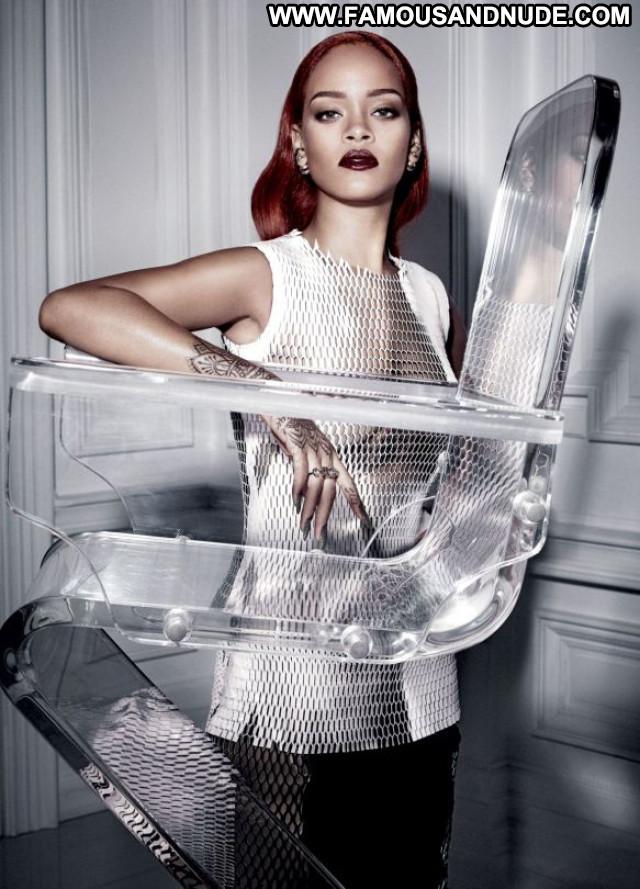 Rihanna Fashion American Posing Hot Singer Sexy Babe Celebrity