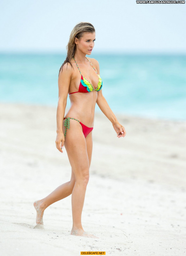 Joanna Krupa Miami Beach Babe Bikini Posing Hot Beautiful Beach