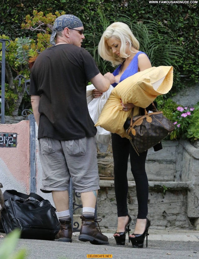 Courtney Stodden No Source  Celebrity Posing Hot Beautiful Cleavage