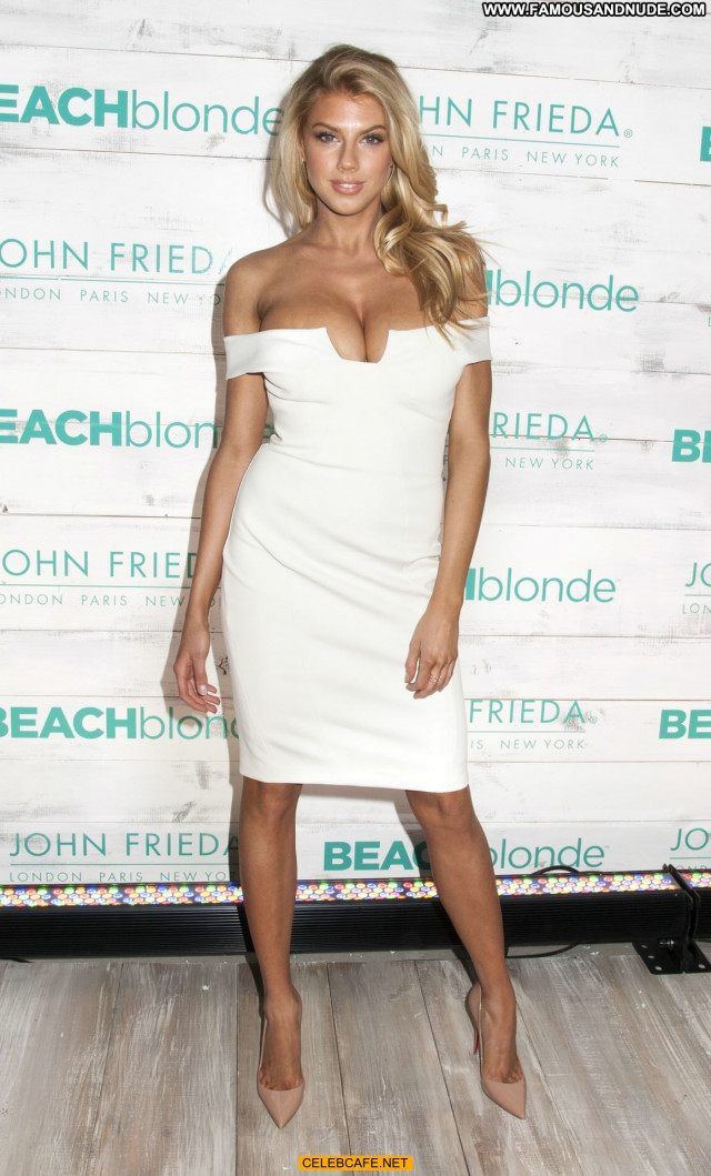 Charlotte Mckinney No Source Babe Posing Hot Celebrity Cleavage Legs