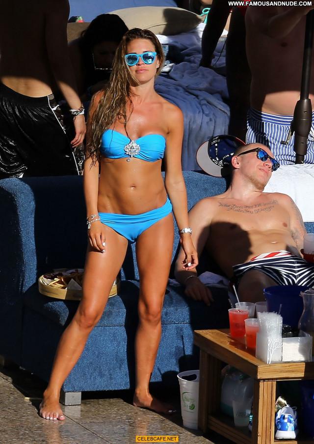 Danielle Lloyd Las Vegas Celebrity Beautiful Posing Hot Babe Friends