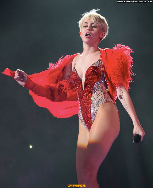 Miley Cyrus No Source Sex Posing Hot Sexy Celebrity Beautiful Babe