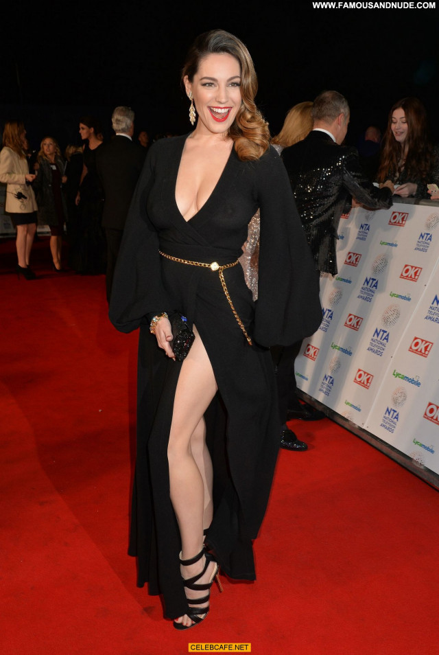 Kelly Brook No Source Celebrity Awards Bra Posing Hot See Through