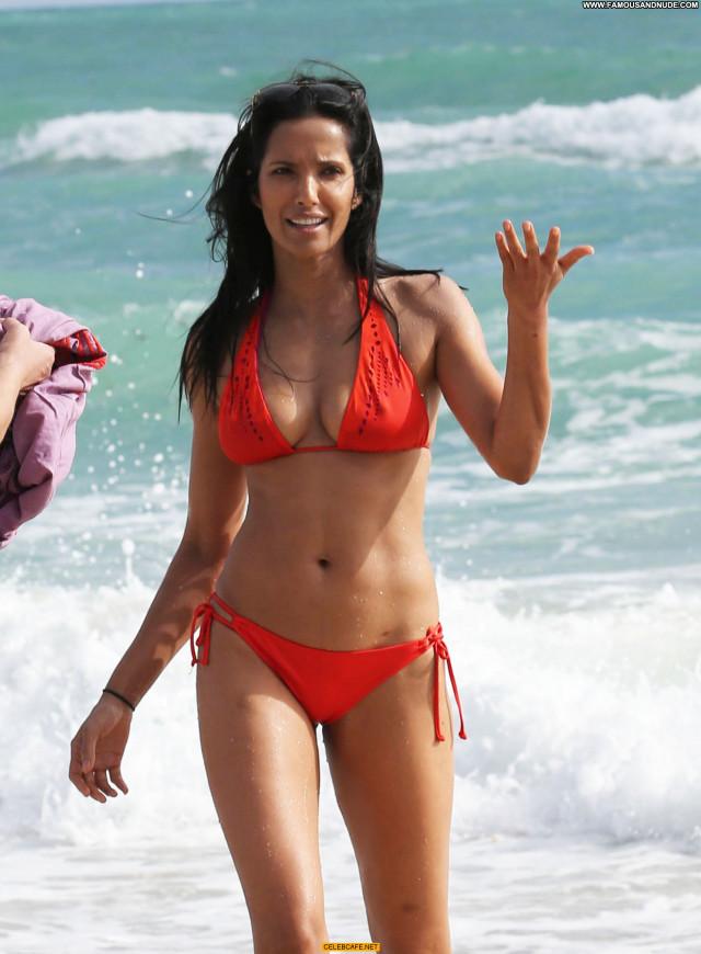 Padma Lakshmi No Source Bikini Nipples Actress Posing Hot Hard