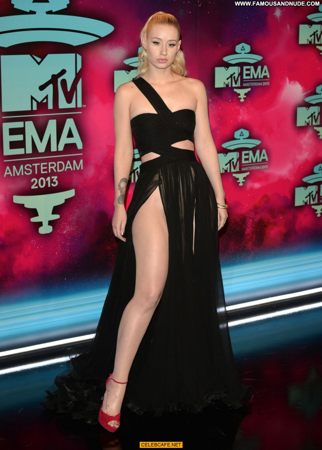 Iggy Azalea No Source Europe Posing Hot Awards Wardrobe Malfunction