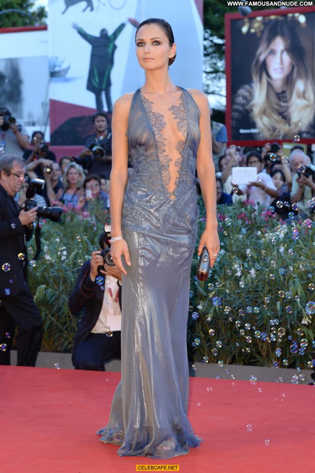 Anna Safroncik No Source Posing Hot International Beautiful Celebrity