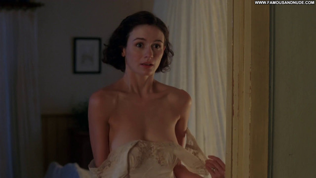 Emily Mortimer Working Sex Celebrity Big Tits Brunette Striptease Ass