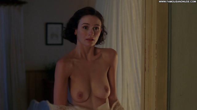 Emily Mortimer Working Posing Hot Big Tits Sex Nude Beautiful