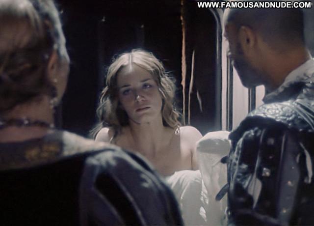 Emily Blunt Henry Viii Topless Celebrity Posing Hot Toples Actress