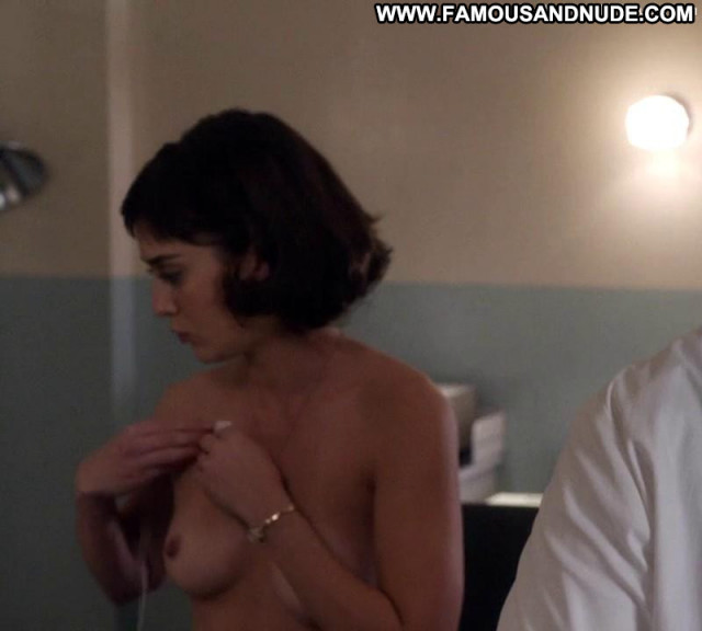 Lizzy Caplan Masters Of Sex Celebrity Babe Posing Hot Topless Doctor