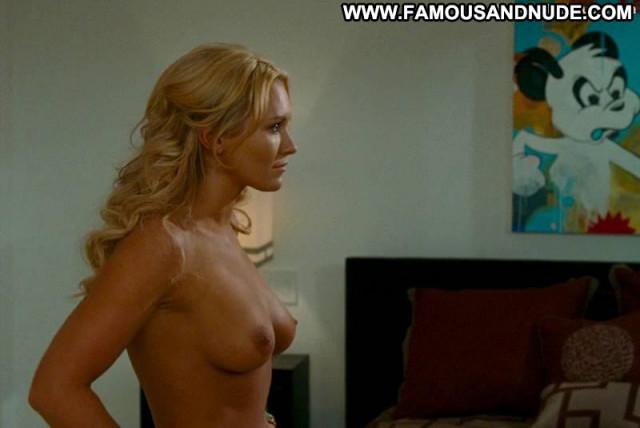 Nicky Whelan Hall Pass Australian Actress Babe Celebrity Posing Hot