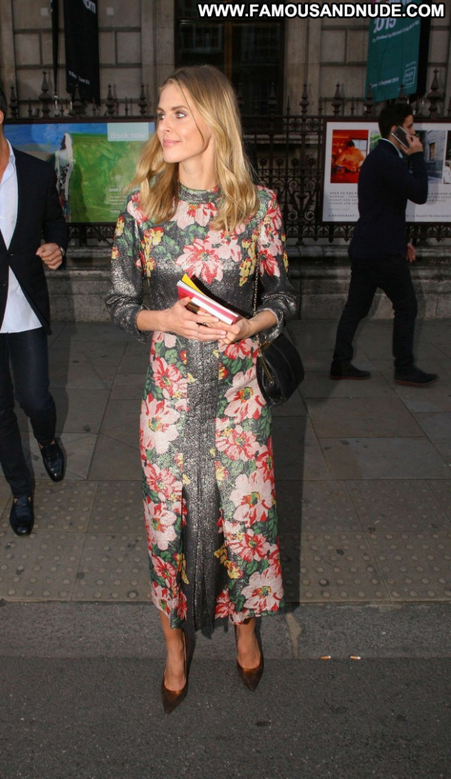 Donna Air No Source Babe Beautiful Paparazzi London Celebrity Summer