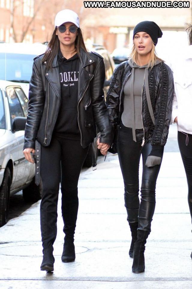 Hailey Baldwin New York Paparazzi Celebrity Beautiful Friends New