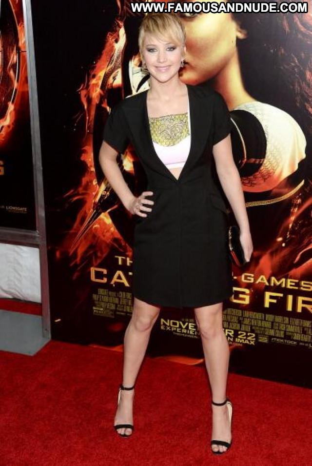 Jennifer Lawrence The Hunger Games Celebrity Paparazzi Posing Hot