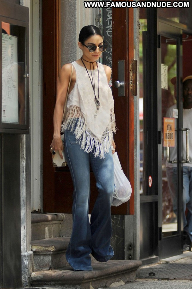 Vanessa Hudgens Celebrity Nyc Posing Hot Babe Paparazzi Beautiful