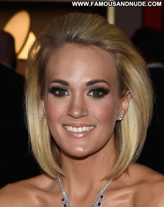 Carrie Underwood Grammy Awards Awards Posing Hot Beautiful Celebrity