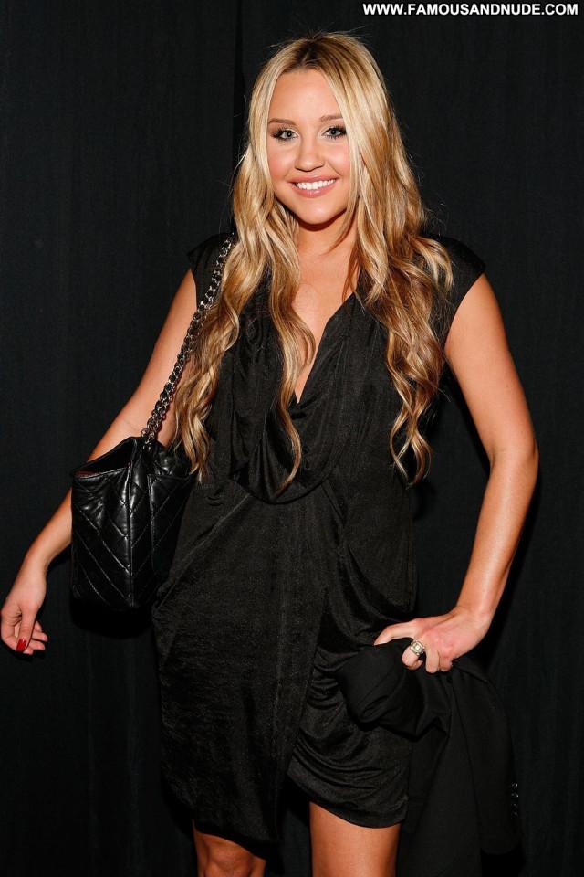 Amanda Bynes Fashion Show Paparazzi Fashion Posing Hot Celebrity Babe