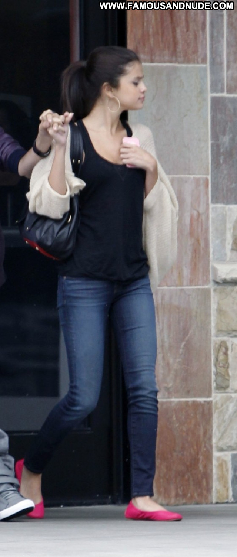 Selena Gomez Los Angeles Paparazzi Beautiful Candids Posing Hot Babe