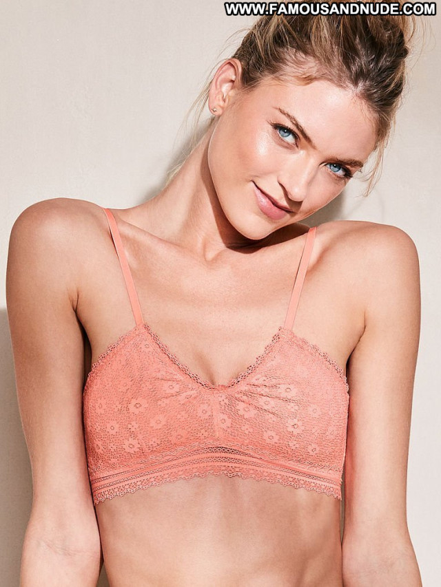 Martha Hunt Fashion Show Lingerie Russia Angel Fashion Bra Babe