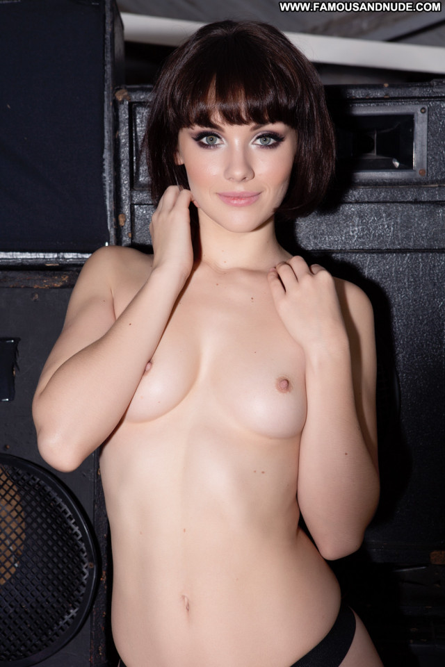 Mellisa Clarke No Source Toples Beautiful Posing Hot Model Celebrity