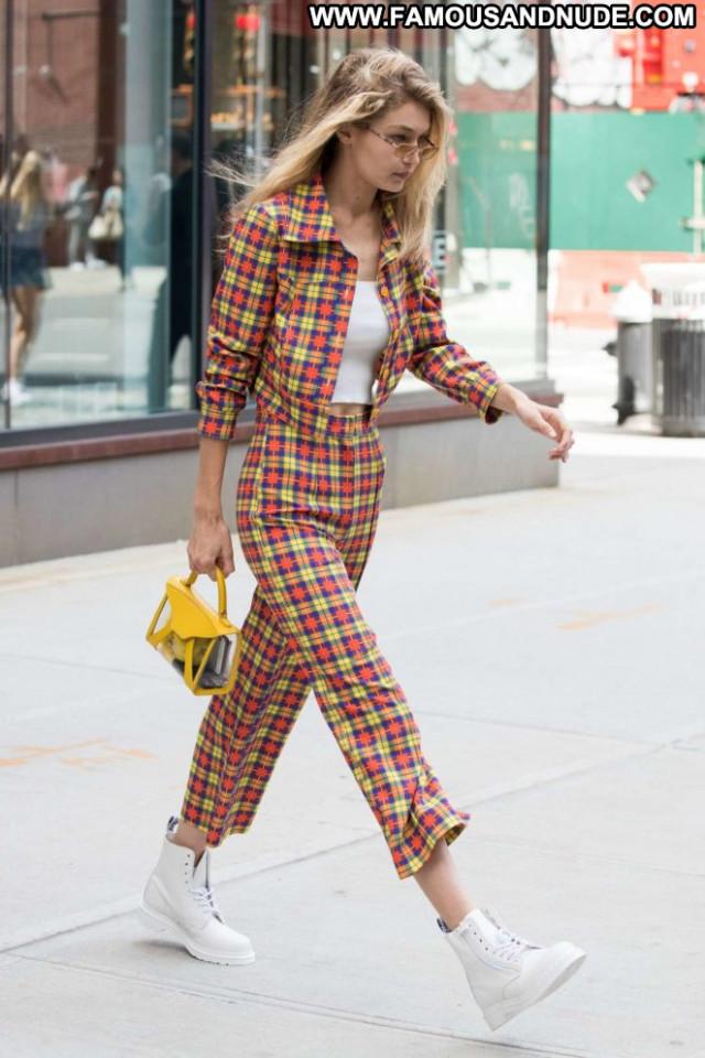 Gigi Hadid New York Celebrity Babe Paparazzi New York Posing Hot
