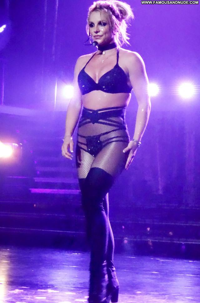 Britney Spears Las Vegas International Teen Posing Hot American