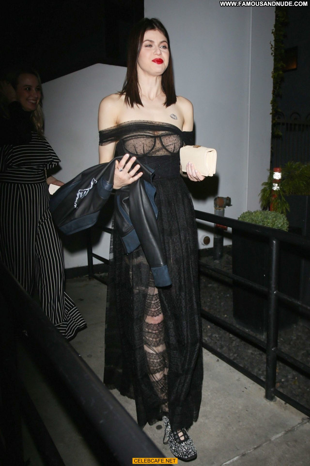 Alexandra Daddario No Source Posing Hot Dad See Through Celebrity