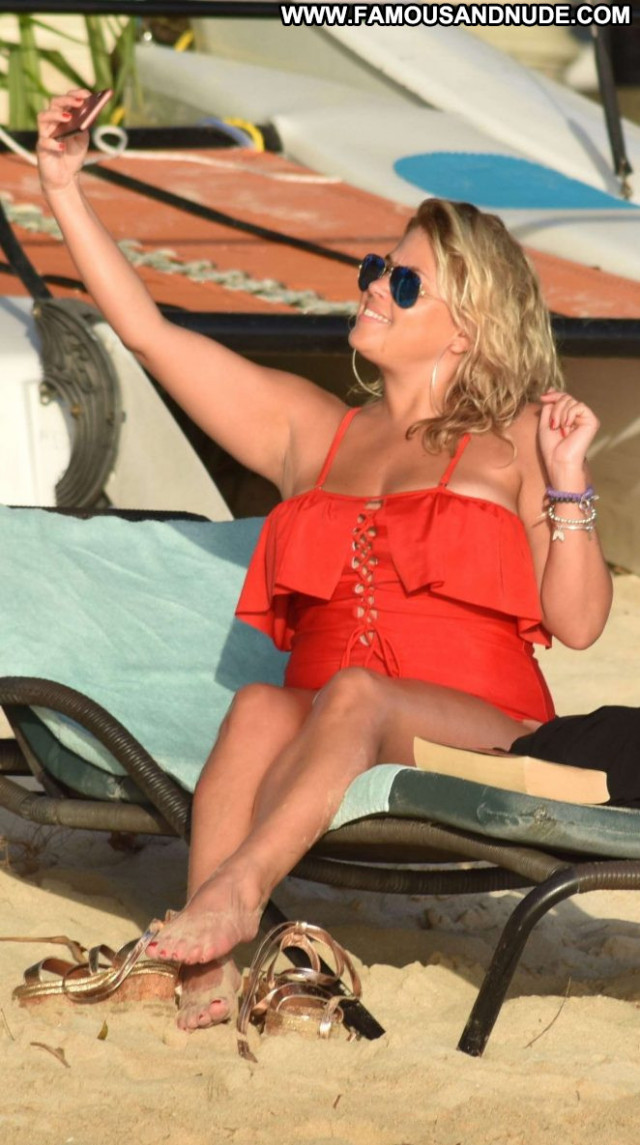 Nadia Essex No Source Posing Hot Babe Bar Paparazzi Beautiful