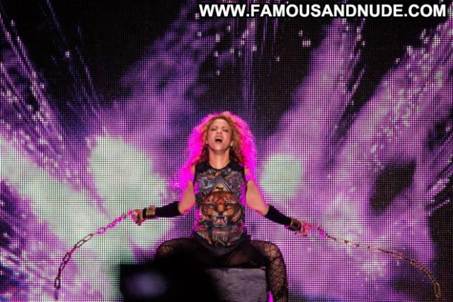 Shakira No Source Celebrity Paparazzi Posing Hot Concert Beautiful