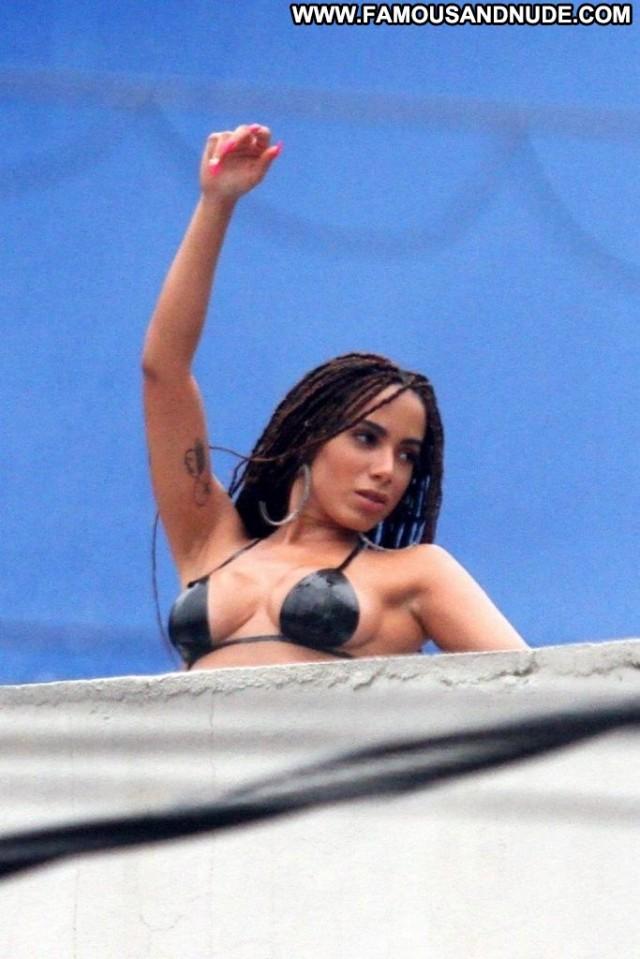 Reply No Source Celebrity Male Mali Topless Brazilian Summer Porn