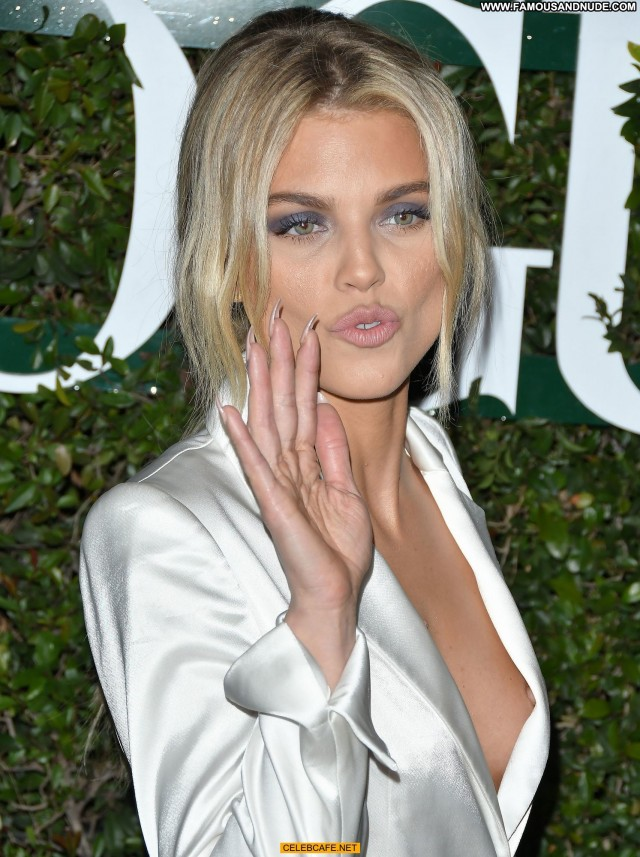 Annalynne Mccord No Source Party Babe Posing Hot Beautiful Nipple